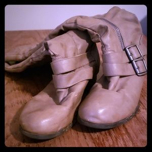 Shoes - Cute boots